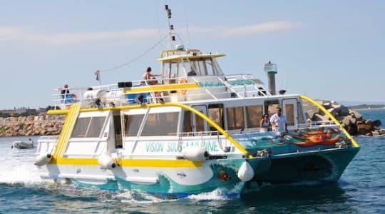 L'Aquavista sortant du Port d'Argelès pour une croisière à vision sous-marine.
